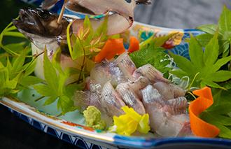 岩魚の姿造り1,210円(税込)