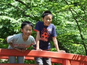 子供も遊べる日本庭園